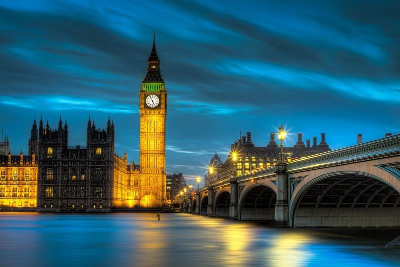 Passeio à noite por Londres