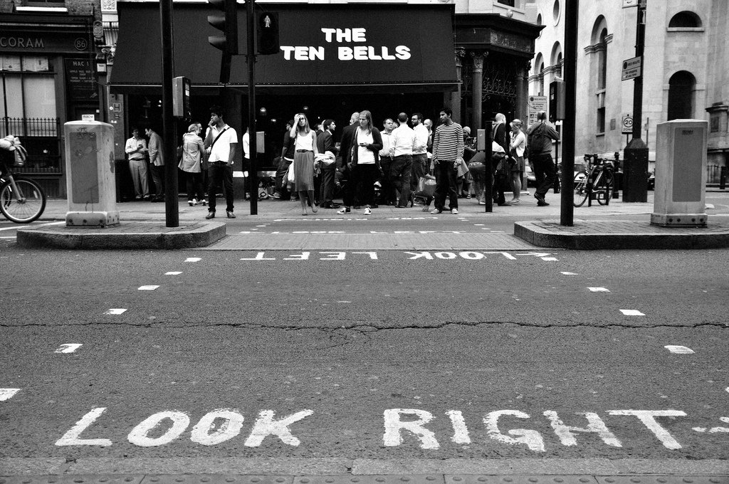 Sinalização nas ruas em Londres