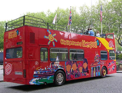 Passeio de ônibus turístico em Liverpool