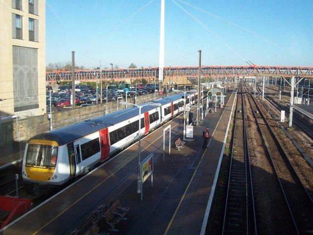 Viagem de trem de Londres a Cambridge