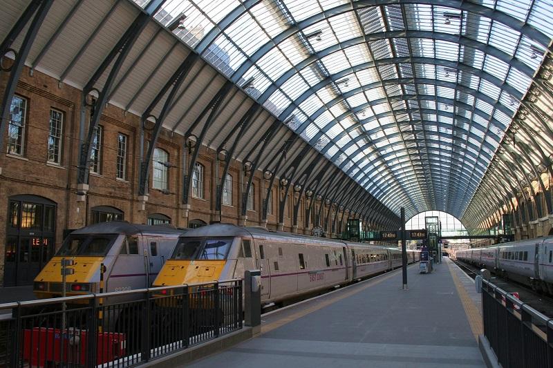 Viagem de trem de Cardiff a Londres