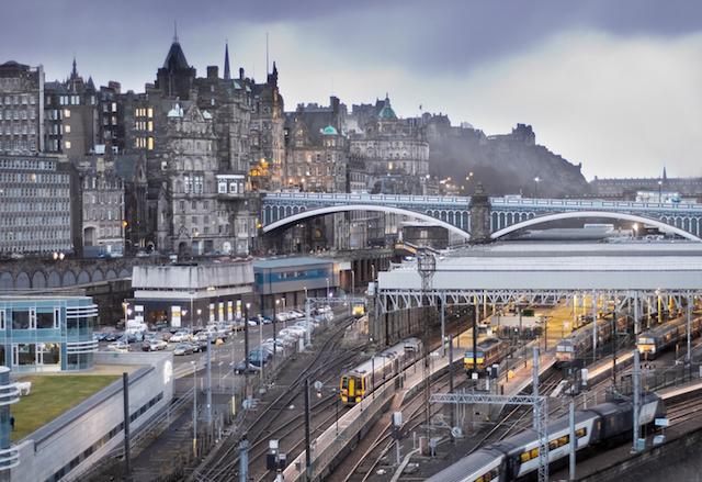 Estação de trem em Edimburgo