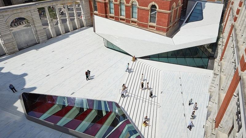Praça de porcelana na V&A em Londres