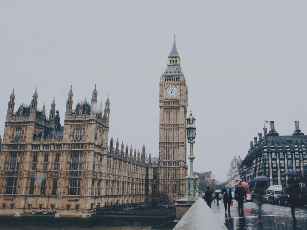 Como enviar dinheiro para a Inglaterra - Londres